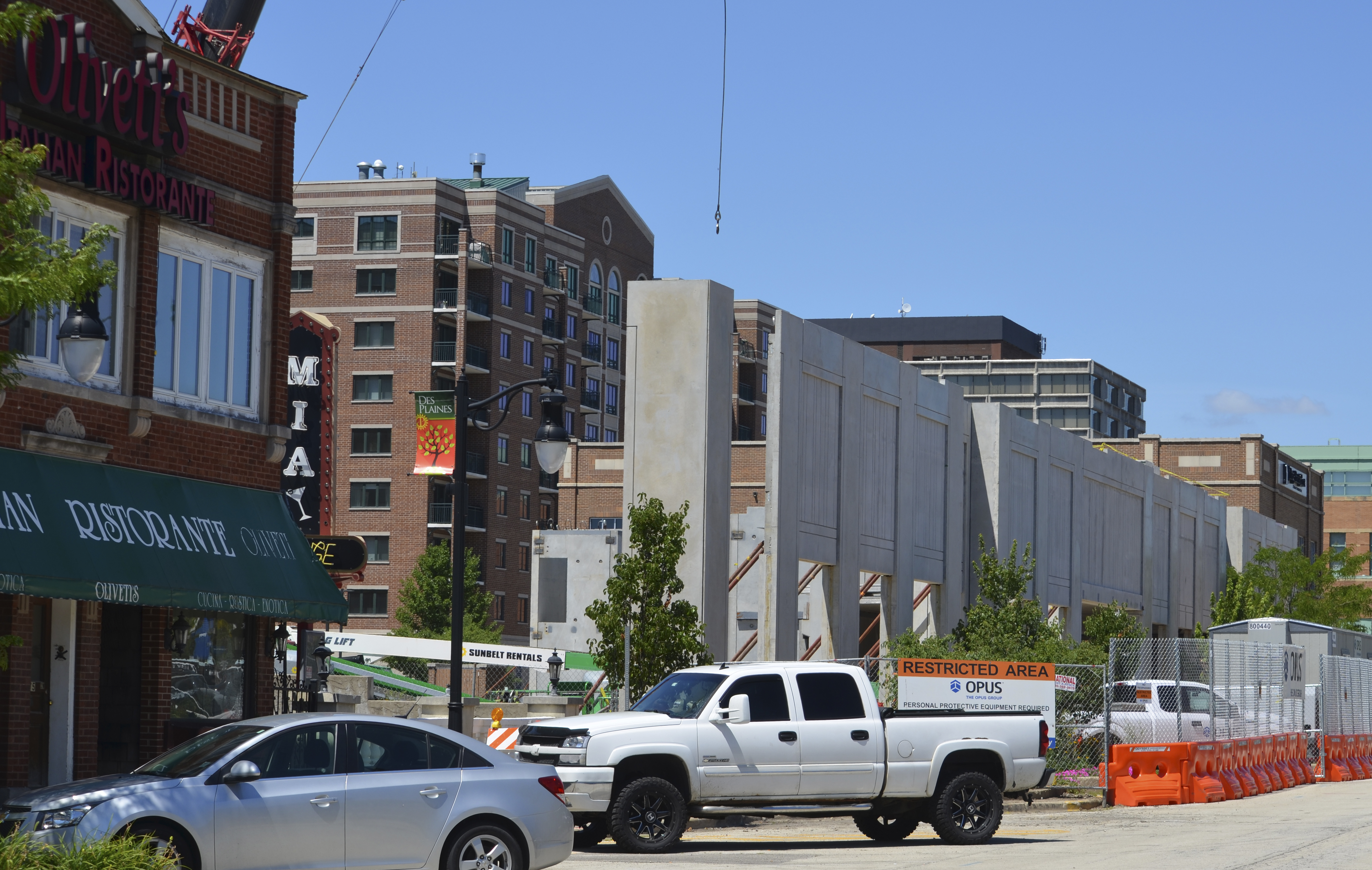 Construction Continues On The 113 Unit Opus Development Apartment Building Ellinwood Street In Downtown Des Plaines Last Wednesday July 18