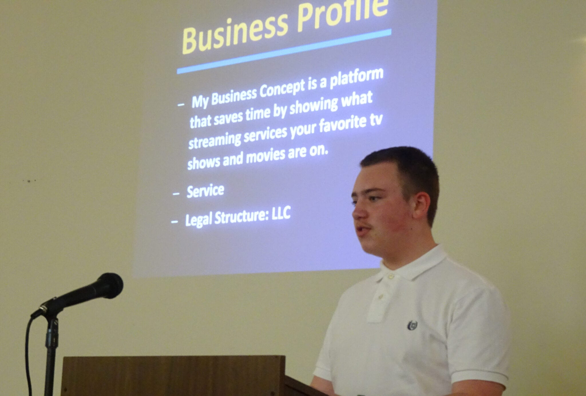 Dist. 15 Student Entrepreneurs Pitch New Businesses To ...