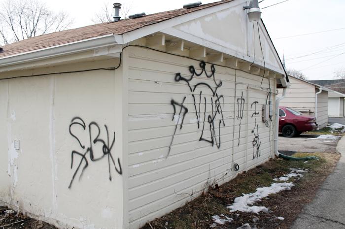 Gang Graffiti Strikes Multiple Des Plaines Homes Journal Topics